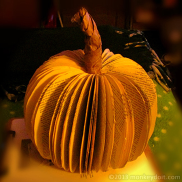 Easy Halloween or Thanksgiving Book Pumpkin Decoration